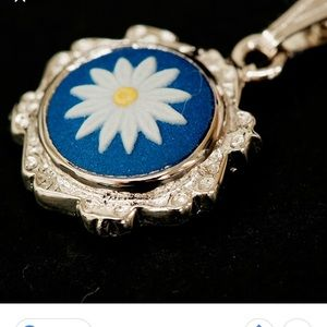 NIB wedgewood necklace